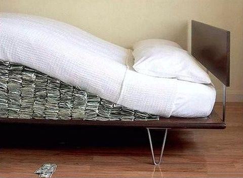 money-under-the-mattress.jpg